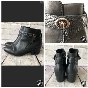 Coach black leather turn lock style booties
